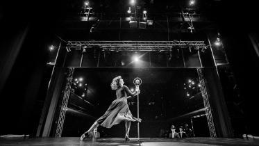 Foto: Édith Piaf - kostýmová skúška